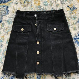 Zara - Black Denim Frayed Skirt - Button-up